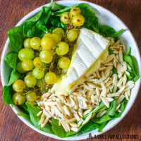 Grilled Grapes & Brie Salad