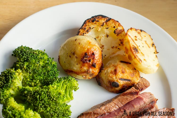plate with grilled potatoes